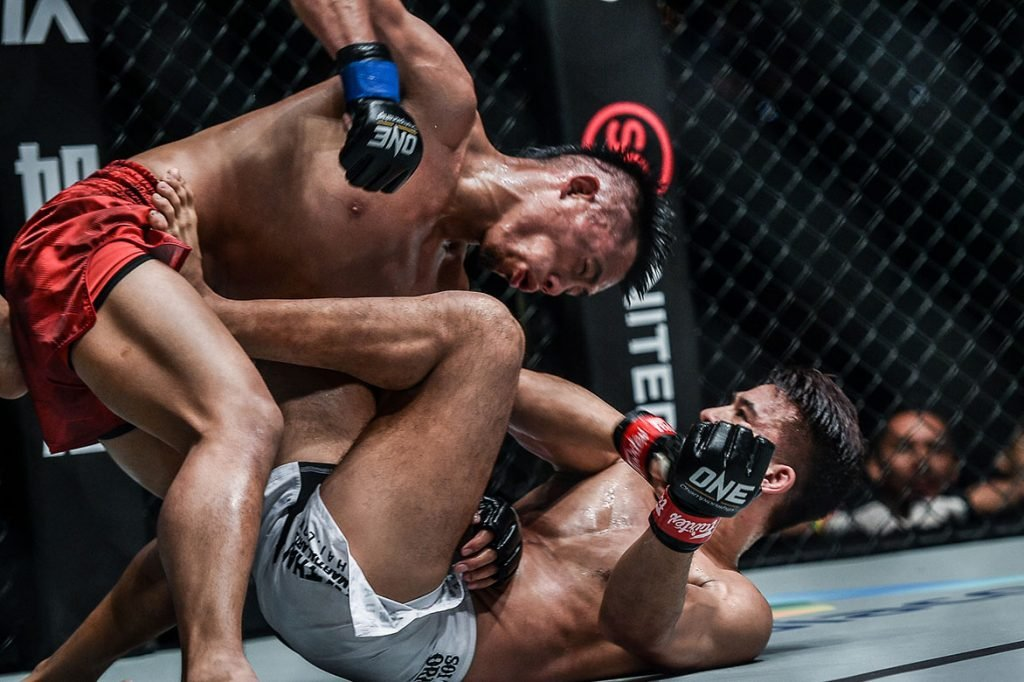 ONE King of the Jungle Honorio Banario def Shannon Wiratchai grappling