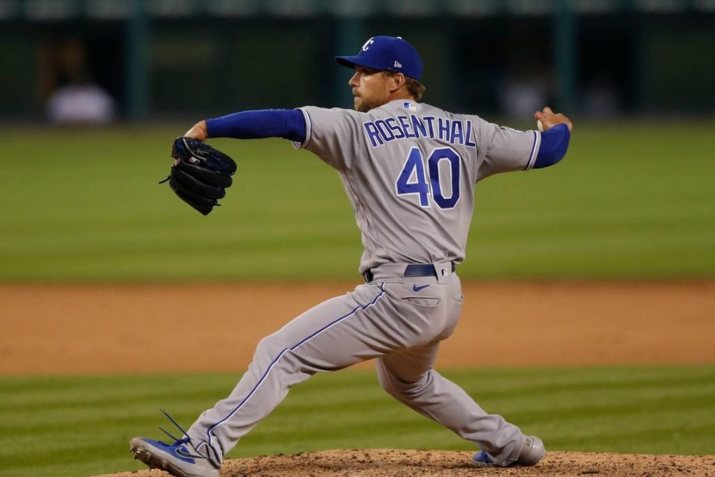 Trevor Rosenthal pitching for the Royals.