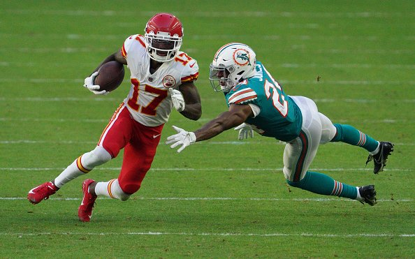 Image for Kansas City vs Miami: Standouts for Chiefs' Offense in Week 14