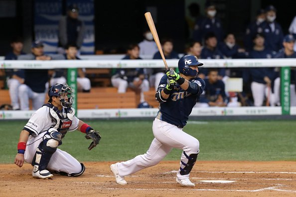KBO baseball star Sung-Bum Na is looking for a new home in MLB.