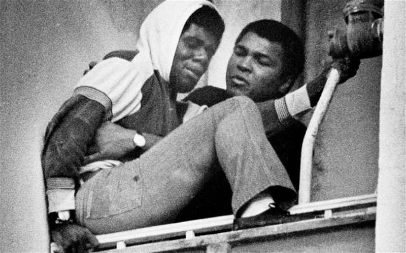 Image for Muhammad Ali Saves Suicidal Man on Ledge, 40 Years Ago This Week
