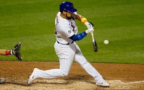 Image for Latest MLB News: Yankees Controversially Sign Robinson Chirinos