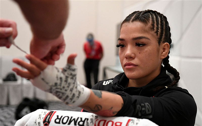 Image for UFC Vegas 24 Prelims Preview: Breaking Down All the Fights
