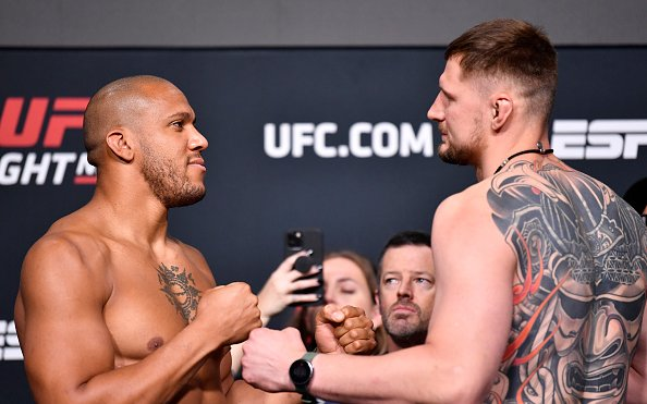 Image for UFC Vegas 30 Weigh-In Results: All 26 Fighters Impressively Make Weight