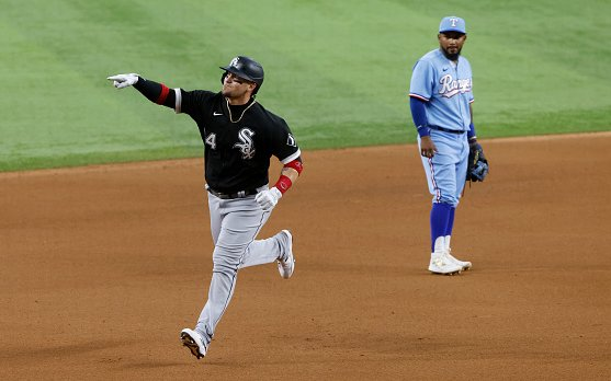 Image for Grandal Reverses Years Of Free-Agency Misfortune