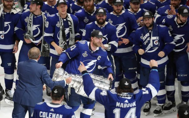 Image for 2021-2022 NHL Pretenders and Contenders