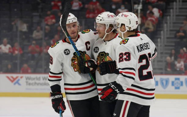 Image for 5 Must-Watch Blackhawks Games In 2021-22